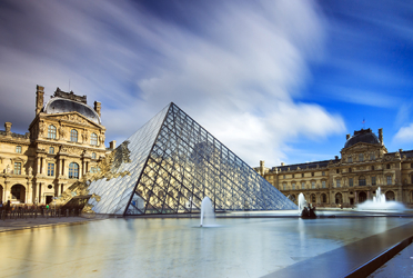 Luxury Paris Day Trip - guided tour of Le Louvre and Champagne lunch on the Eiffel Tower
